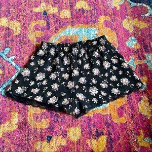 Lace Trim Floral Shorts